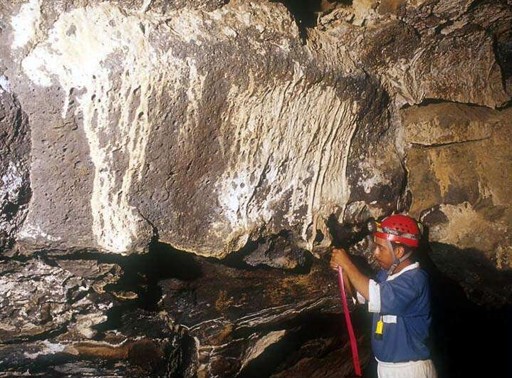 radiocarbon dating speleothems in caves