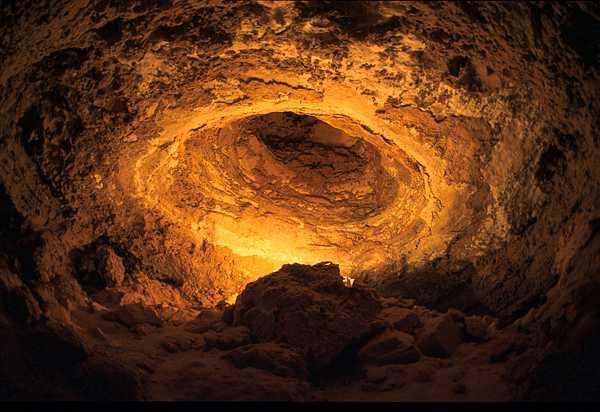 صور رائعه من داخل الكهوف(سبحان الله) ldome.jpg
